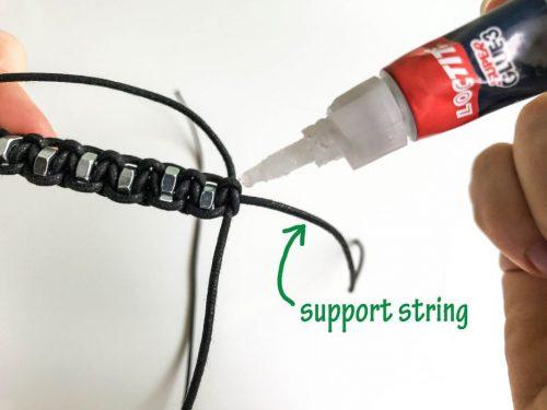 روش ساخت دستبند مهره ای با گره کشویی